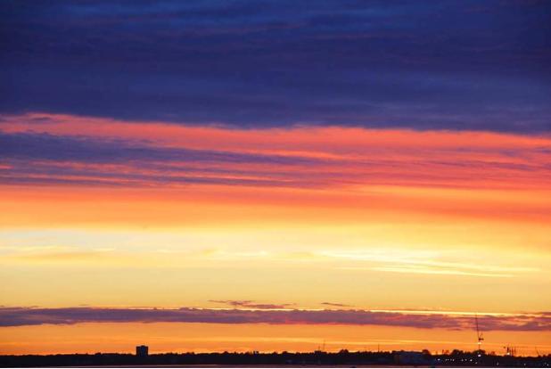Небо Петербурга, закат. Автор фото: Айтен Юран