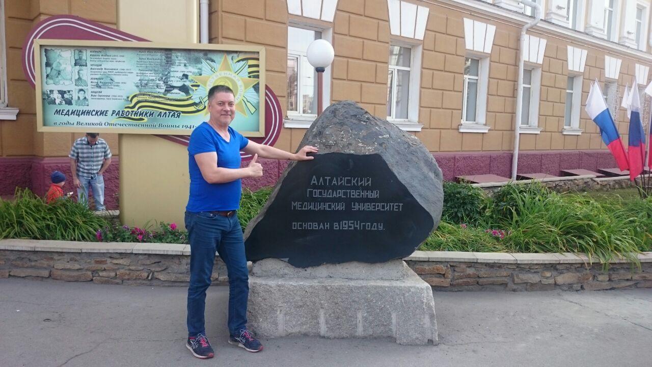 Олег Коломжанов. Елисейские поля нервно курят в сторонке